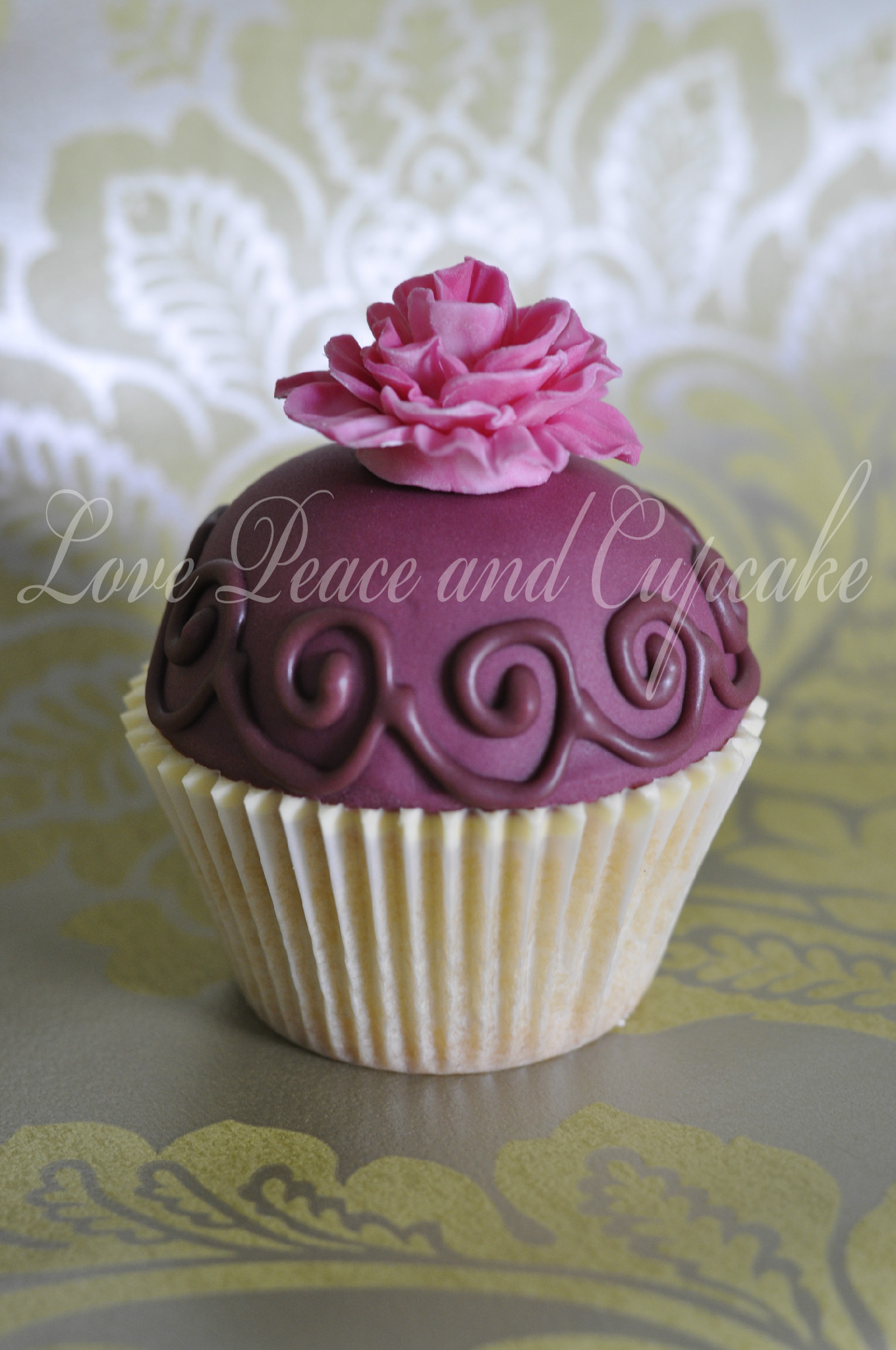 Beautiful Cupcake Images : Vintage Cupcake by Love peace and cupcake